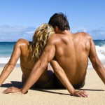 beach-bodycouple